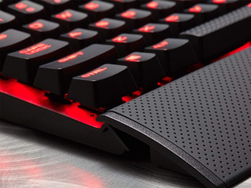 Teclado Corsair Gaming K70 LUX RapidFire Cherry Speed NA CH-9101024-NA