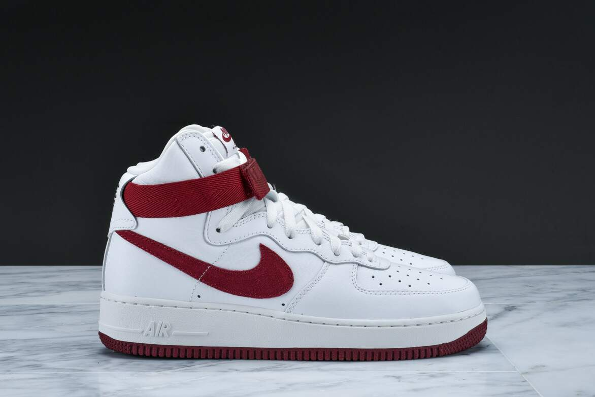 Air Force 1 High Retro Summit Red / Team Red Masculino