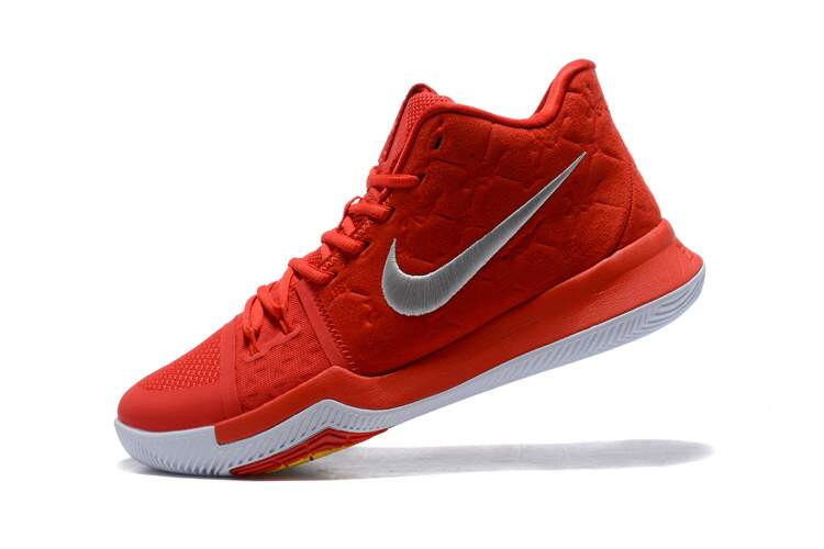Kyrie 3 University Red / University Red / Wolf Grey Infantil