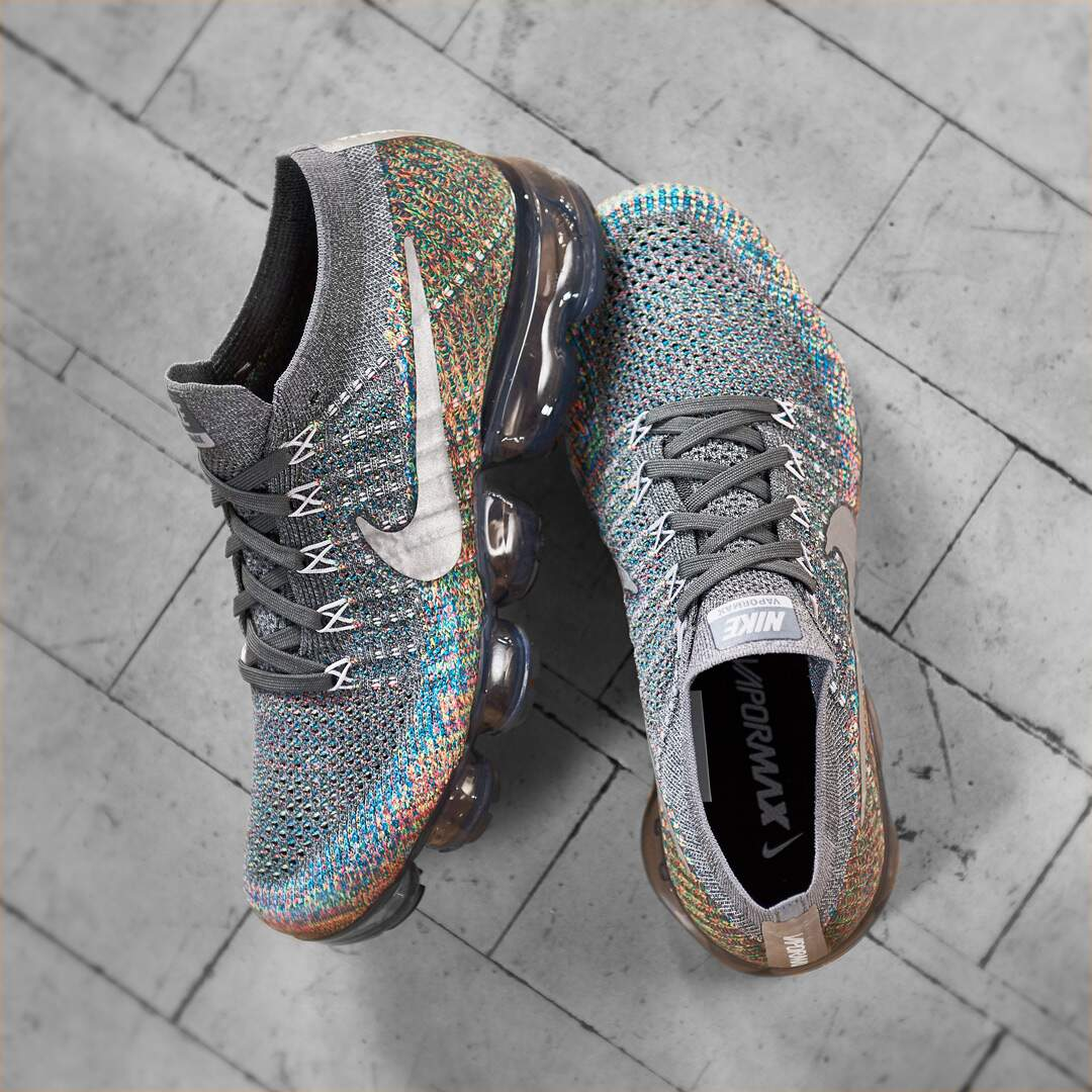 2ad13a57fff ... nike shoes outlet 3f686 205a4  new style air vapormax flyknit dark grey  reflect silver blue orbit masculino 3fa27 6bfd8