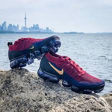 hot sale online 525e0 fa73d Air VaporMax 2 Team Red / Wheat / Obsidian / Black / College Navy Masculino