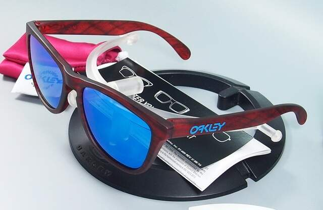 Frogskins Matte Red Woodgrain / Prizm Sapphire edicao limitada Driftwood Collection OO9013-B755