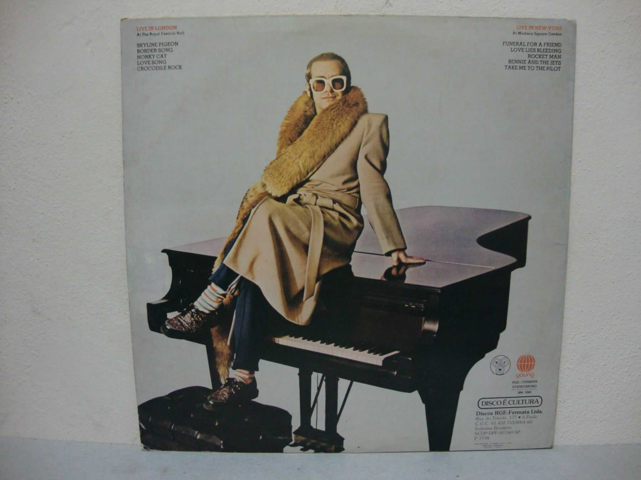 VINIL ELTON JOHN - HERE AND THERE