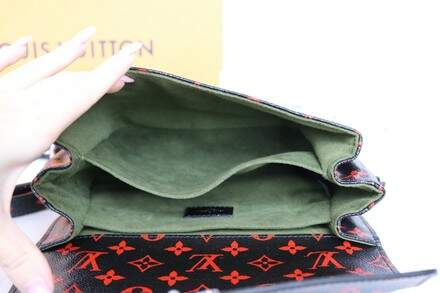 Bolsa Louis Vuitton Métis Pochette Black