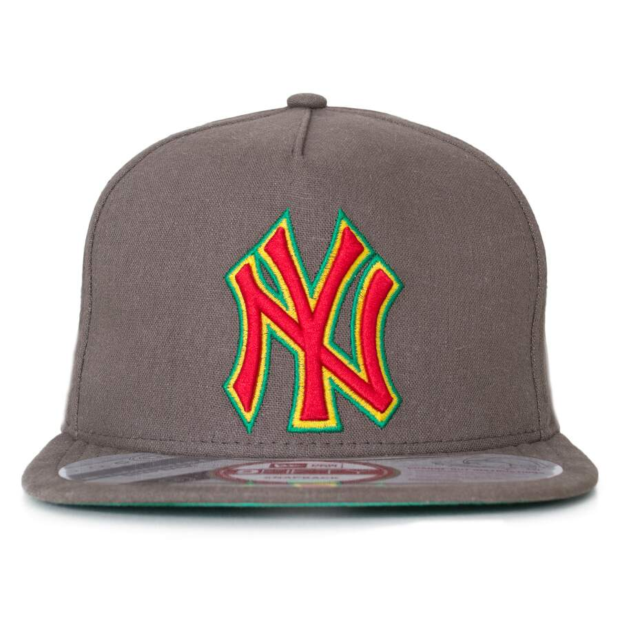 Boné New Era Snapback New York Yankees 9Fifty Marrom
