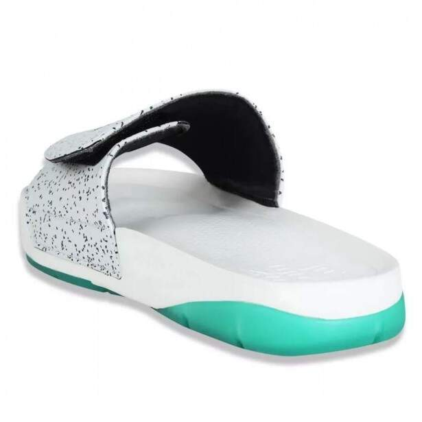 Chinelo New Era Slip-On Off White / Verde