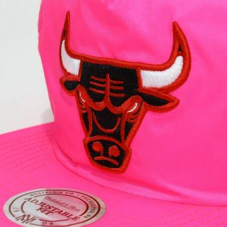 Boné Mitchell and Ness Snapback Chicago Bulls Pink
