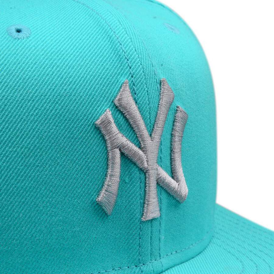 Boné New Era 9FIFTY Snapback New York Yankees Azul Bebê / Prata
