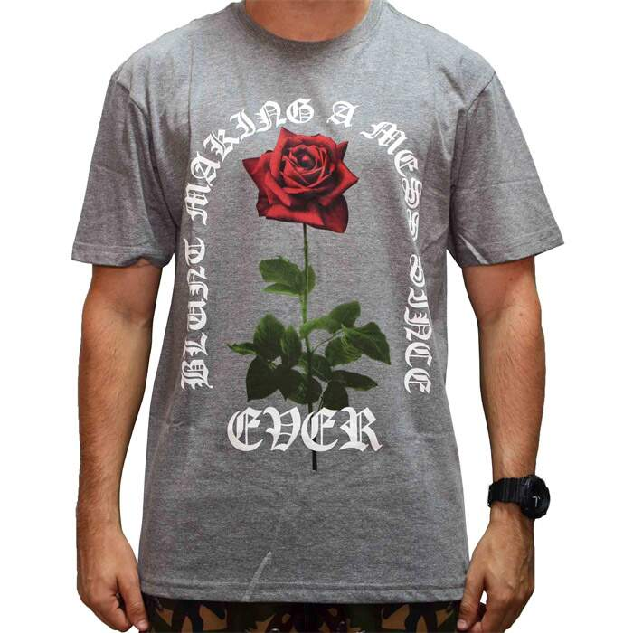 Camiseta Blunt Making Rose Mess - Cinza