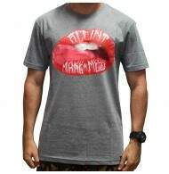 Camiseta Blunt Mouth - Cinza