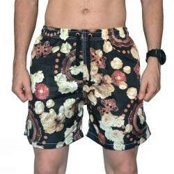 Short Your Face Estampado Rosas - Preto