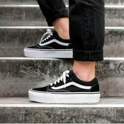 Tênis Vans Old Skool Plataform - Black/White