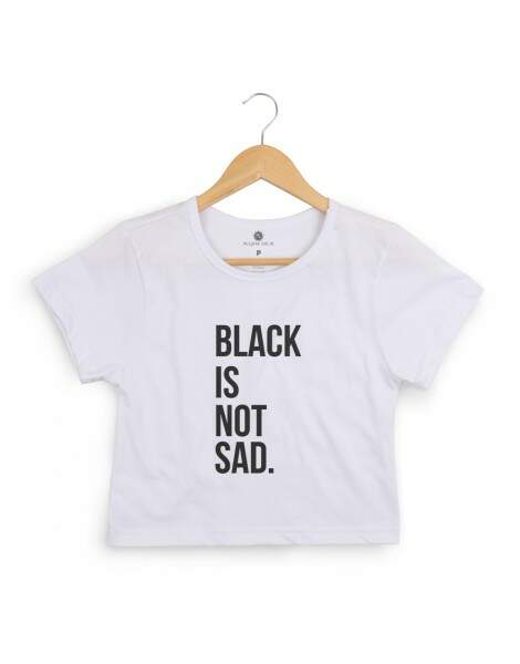 Blusa Cropped Morena Deluxe Black Is Not Sad Branco