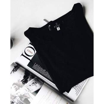 T-SHIRT ALL BLACK ESSENTIALS
